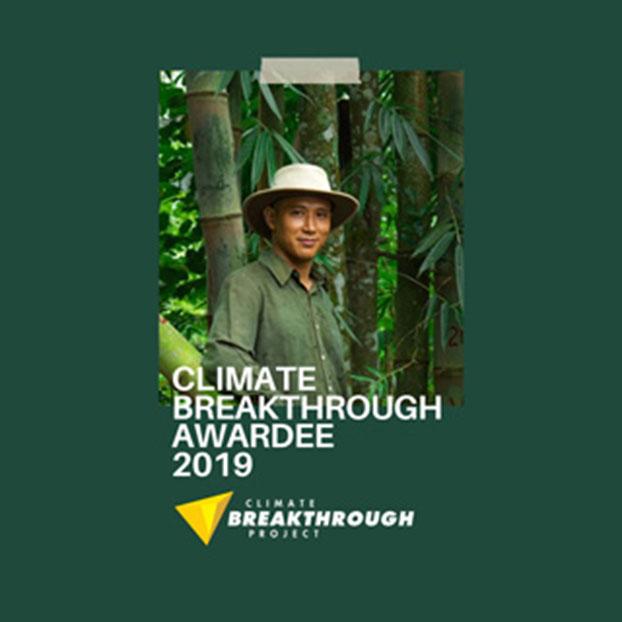 Arief Rabik receives the 2019 Climate Breakthrough Award